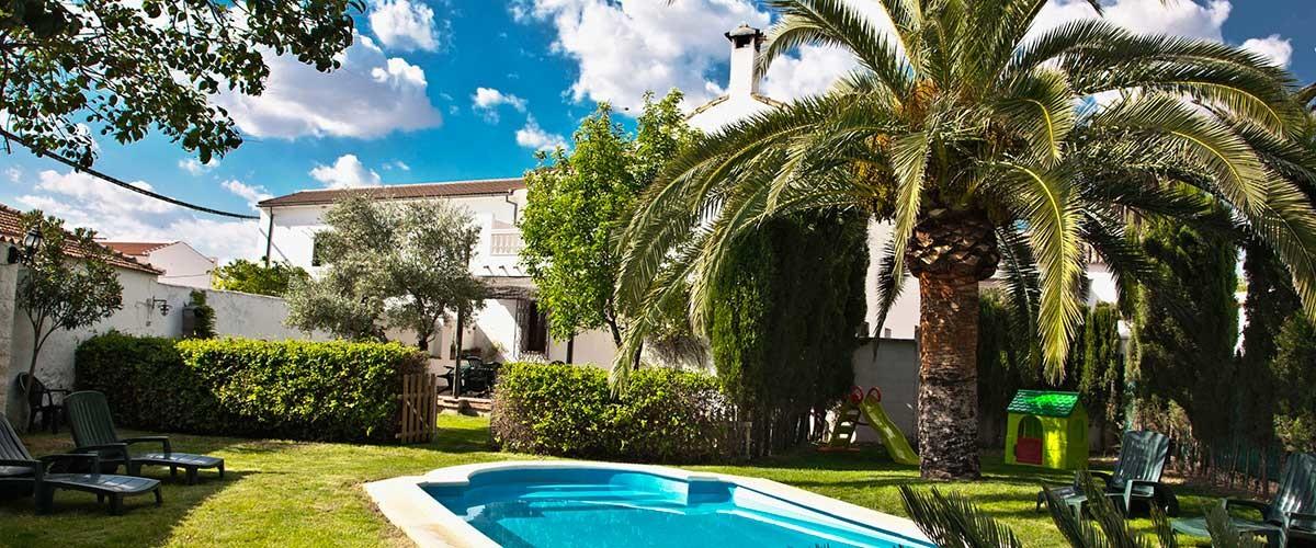 Jardín Casa Rural con Pisicna